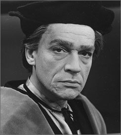 Paul Scofield, who earned an Oscar for his portrayal of Sir Thomas More in 1966's A Man for All Seasons, died Wednesday after a battle with leukemia.