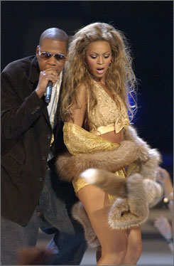 At the 2003 MTV Video Music Awards: Jay-Z and Beyonc Knowles perform together.