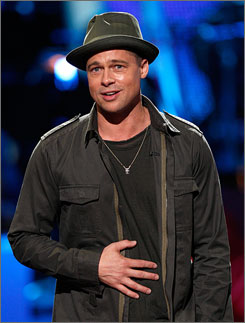 Pitt-ching in: A-lister Brad Pitt took time to help Idol give back.
