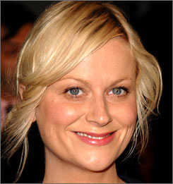 Amy Poehler plans to leave Saturday Night Live for NBC's spinoff of The Office.