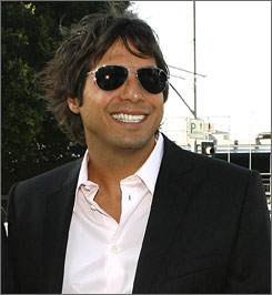 Girls Gone Wild  producer Joe Francis settled another legal case against the video series.