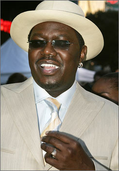 Actor/comedian Bernie Mac, shown here at the premiere of Mr. 3000 in 2004, died Saturday.