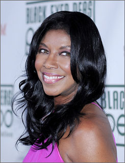 Natalie Cole, who suffers from hepatitis C, has been hospitalized and has to cancel her October performances.