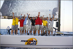 Amazing race: A group of young men and women sail from California to Hawaii in the documentary Morning Light.