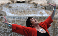 Liza Minnelli's Liza's at the Palace, which features some of her best-known songs, will run Dec. 3-14.