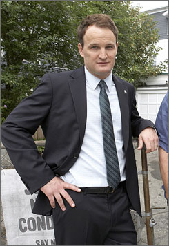 """The """"good"""" brother: Jason Clarke is troubled politician Tommy Caffee. His brother, crime boss Michael Caffee, is played by Jason Isaacs."""