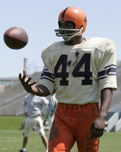 You can't slow down The Express: Rob Brown stars as Syracuse running back Ernie Davis.