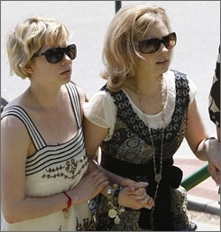"Heath Ledger's sister Kate, right, seen here at his Feb. 2008, memorial service in Australia with his ex-fiance, Michelle Williams, says his death ""seems like merely yesterday, and we are all still nursing broken hearts."""