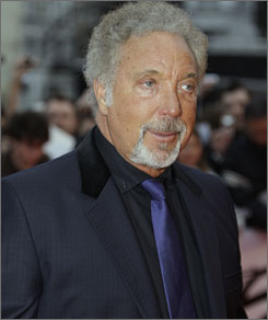 For their recent 52nd anniversary, Tom Jones says he sent his wife 3 dozen of her favorite red roses.