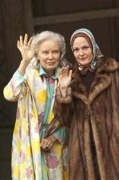 Former socialites Big Edie (Jessica Lange) and Little Edie (Drew Barrymore) lived in squalor in their East Hampton mansion.