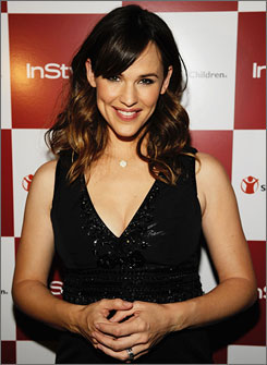 Jennifer Garner was honored Thursday night at an In Style magazine dinner.