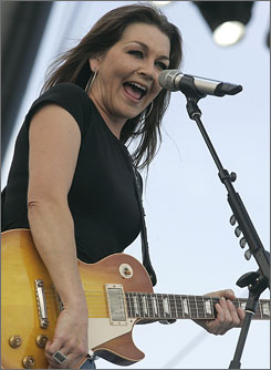 Gretchen Wilson performs at the Stagecoach Music Festival May 4, 2008, in Indio, Calif.