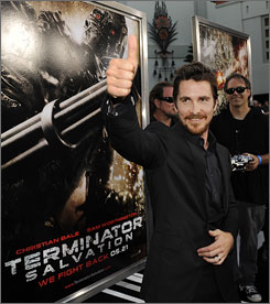 Christian Bale gives the old thumbs up at the Terminator Salvation premiere.