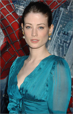 Lucy Gordon arrives at the Spider-Man 3 premiere in Astoria, New York on April 30, 2007.