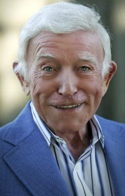 Henry Gibson, who first gained fame on TV's Laugh-In and then played small but memorable roles in a series of films, has died. He ws 73.