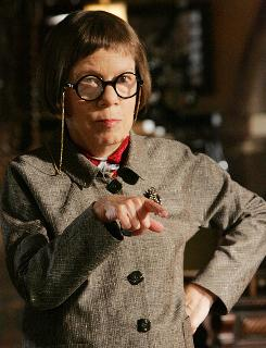 Linda Hunt joins NCIS: Los Angeles as Hetty Lange, the new boss at the Naval Criminal Investigative Service.