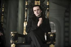 Michael Sheen plays Italian vampire Aro in Twilight: New Moon.