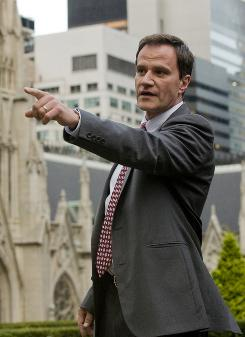 White Collar: Tim DeKay is an FBI agent who is partnered with a con man to solve crimes in USA Network's new series.