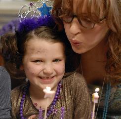Urban mom Eliza (Uma Thurman), with Clara (Daisy Tahan), has a lot on her hands in Motherhood.