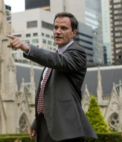 Tim Dekay stars in USA's new series White Collar, which held on to all 5.4 million viewers of its lead-in, Monk.