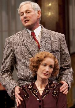 The Roundabout Theatre Company's revival of Noel Coward's Present Laughter  features Victor Garber and Lisa Banes.