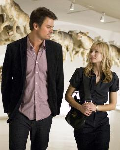 Josh Duhamel and Kristen Bell star in When in Rome.