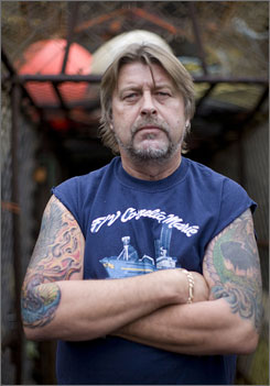 Phil Harris, the fishing boat captain on the TV show The Deadliest Catch, has died. He was 53.