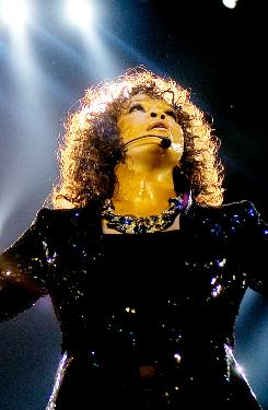 The audience of 20,000 didn't always love Whitney Houston's comeback performance.