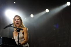 Sheryl Crow performs at the Lilith Fair kickoff in Calgary on Sunday.