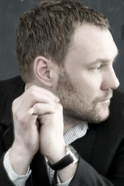 David Gray's new album Foundling includes a bonus CD with nine tracks.