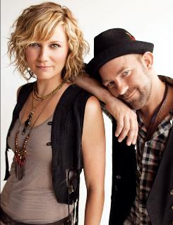 Jennifer Nettles and Kristian Bush of Sugarland will take part in American Express' Unstaged online music series on Monday with show that will stream live on the Internet from New York City.