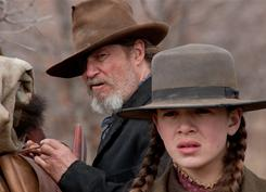 Down-and-out Rooster Cogburn (Jeff Bridges) and plucky teen Mattie (Hailee Steinfeld) join on a quest to find and punish the killer of Mattie's father.