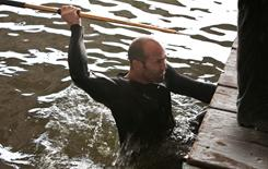 Jason Statham, a former elite platform diver, puts his aquatic training to work in The Mechanic.