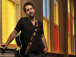 Josh Kelley is married to Grey's Anatomy alum Katherine Heigl.