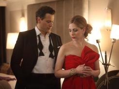 Ioan Gruffudd and Sarah Michelle Gellar star in the new drama 'Ringer.'