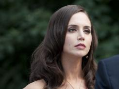 Eliza Dushku guests on White Collar.