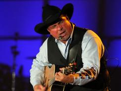 Garth Brooks joins Alan Jackson, Allen Shamblin, John Bettis and Thom Schuyler as the 2011 inductees for the Nashville Songwriters Hall of Fame.