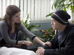 Katherine (Anna Kendrick) awkwardly counsels Adam (Joseph Gordon-Levitt), who has been given a dire diagnosis.