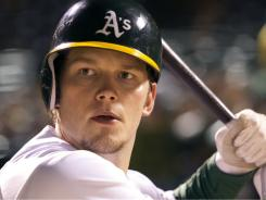 Actor Chris Pratt dropped 50 pounds and practiced thousands of swings to portray A's first baseman Scott Hatteberg.