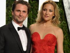 Matthew Bellamy and Kate Hudson stayed close at the 'Vanity Fair' bash.