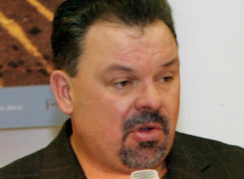 Popular American painter THOMAS KINKADE dies at 54 – USATODAY.