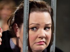Molly (Melissa McCarthy) goes on a crash diet on 'Mike and Molly.'