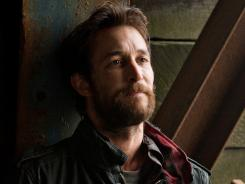 Noah Wyle stars as Tom Mason, tactical leader of a band of humans who have survived an alien invasion.