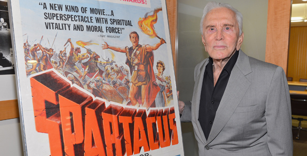 ''I've seen it,'' Kirk Douglas told the crowd before the screening of 'Spartacus.' ''It's a good picture.''