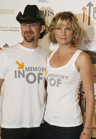 Sugarland's Kristian Bush and Jennifer Nettles join the celebrities on