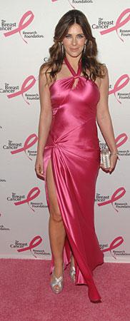 Элизабет Хёрли и её платья с высоким разрезом: hot or not?