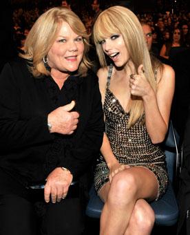 Taylor Swift Mom