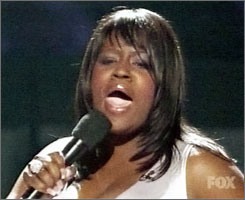 LaKisha Jones belts one out on American Idol.
