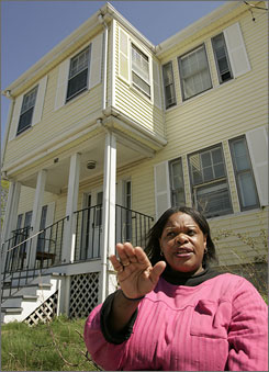 Frances Darden signed mortgage applications that were almost entirely blank and found herself with $894,000 in mortgage loans. It wasn't until seven months later, though, after she struggled to find tenants and maintain the buildings, that Darden began to wonder just what had happened.