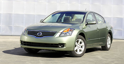 Nissan Altima hybrid takes less fuel but offers no less excitement than a regular Altima.
